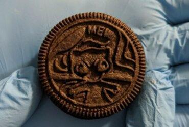 Biscoito Oreo com Mew estampado está sendo vendido por US$10 mil
